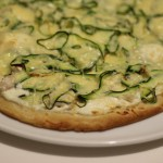 Pizza au poulet et courgette